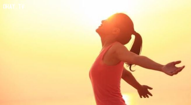 Tắm nắng ít nhất 30 phút một ngày