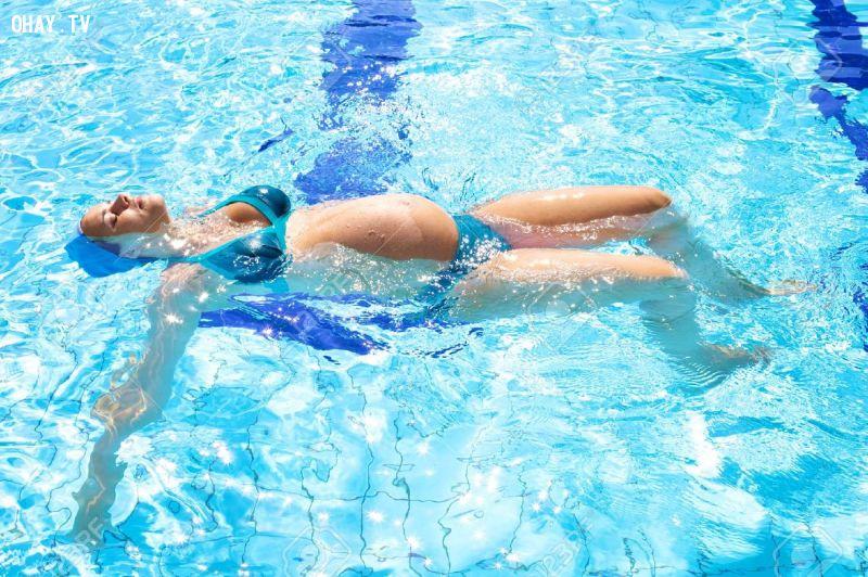 Thử làm quen với những bài tập dưới nước