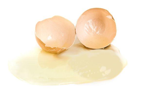 Trị mụn hiệu quả bằng lòng trắng trứng