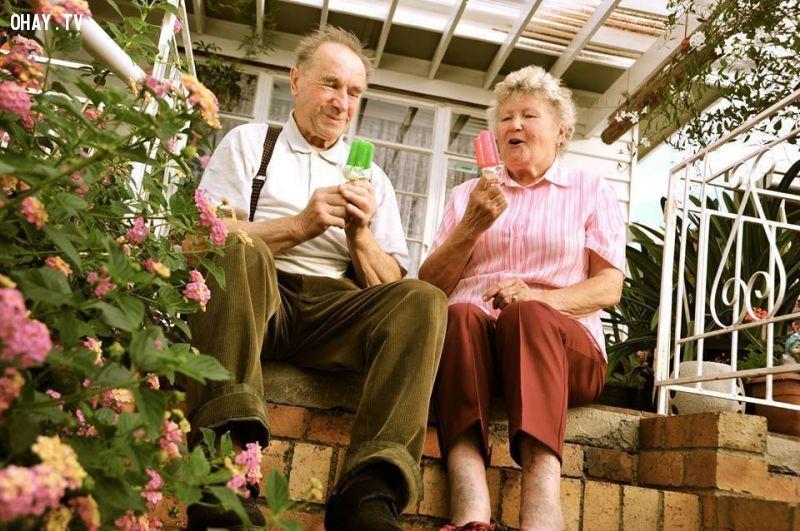 Chỉ cần được ăn kem là cảm thấy vui rồi .