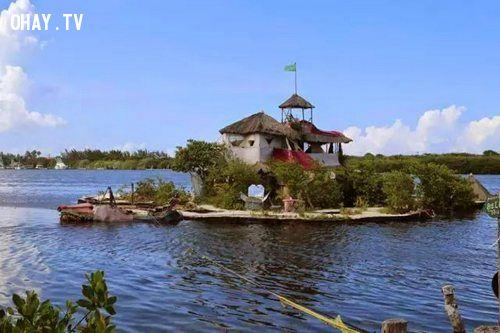 ảnh Richart Sowa,đảo nổi,vỏ chai rỗng,xây đảo,xây đảo nổi,sáng tạo,kiến trúc lạ,kiến trúc độc đáo