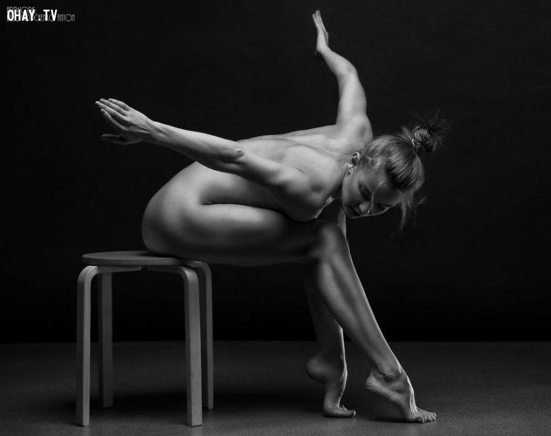 Vẻ đẹp của cơ thể phụ nữ thông qua ống kính nhiếp ảnh gia người Nga
