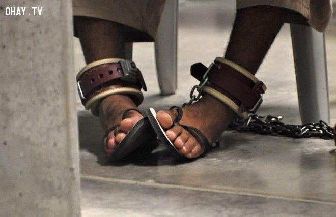 CIA tra tấn tù nhân