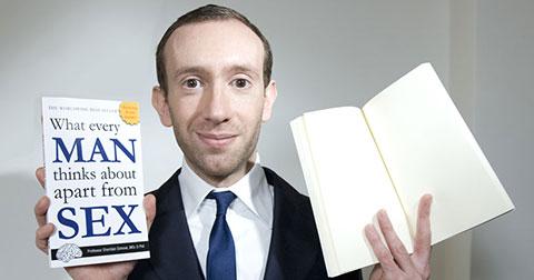 Cuốn sách với 200 trang trắng tinh bán chạy ngang Harry Potter