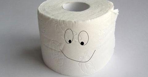 Trước khi phát minh ra giấy vệ sinh, con người phải làm như thế nào?