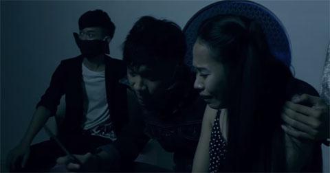 """Phim ngắn """"Vụ thảm sát số 6"""" dựa theo vụ thảm sát tại Bình Phước bị gạch đá tơi tả"""