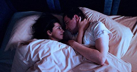 """Có nên \""""ngủ\"""" với người yêu cũ?"""
