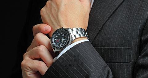 4 Lý do tại sao đàn ông đeo một chiếc đồng hồ sẽ tốt hơn