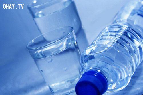 nước giúp não hoạt động sáng suốt và ổn định