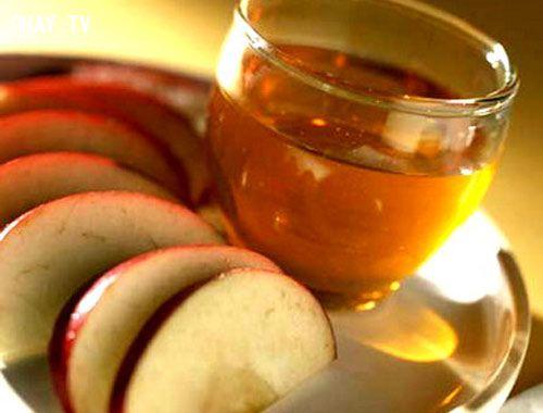 ảnh bệnh vảy nến,giấm táo,hoa cúc la mã,nghệ,dầu oliu,mẹo hay