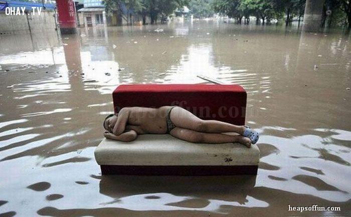 ảnh ảnh hài,ảnh mùa mưa,mùa mưa,mưa lũ,hài hước mùa mưa