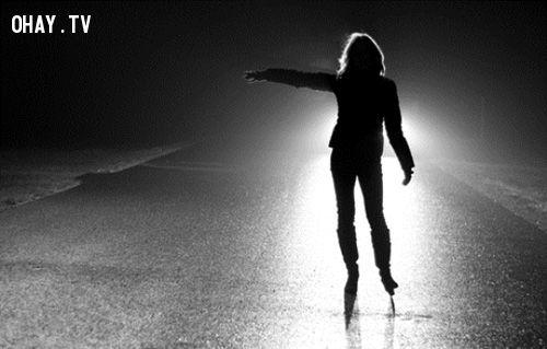 Làm gì khi bị người âm xin đi nhờ xe, 'quá giang' một đoạn?