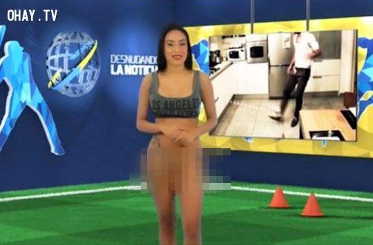 Sốc nặng với cảnh nữ MC khỏa thân đưa tin bóng đá làm chao đảo cả thế giới.