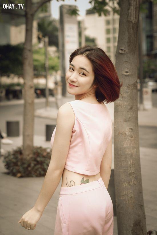 Lộ ảnh Hình xăm tên Công Phượng của Hòa Minzy