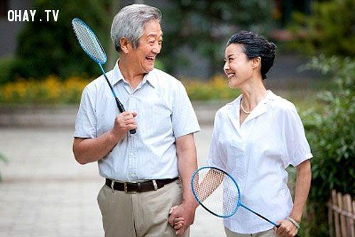 Người già nên chăm tập thể dục