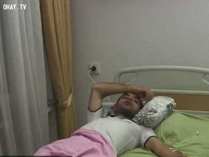 """Chỉ trích """"sao"""" bóng đá trên Facebook, nhà báo Rasim Aliyev bị đánh đến chết"""