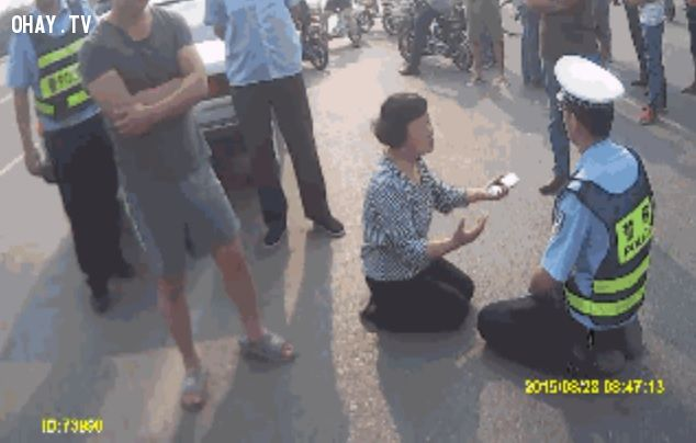 ảnh cảnh sát giao thông,cộng đồng mạng,Trung Quốc,cảnh sát trung quốc,say rượu