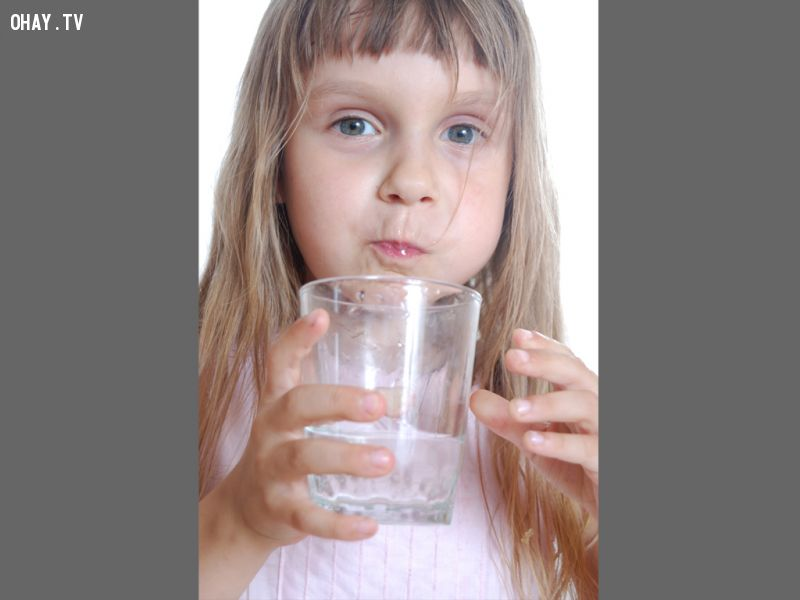 chữa sổ mũi bằng nước muối