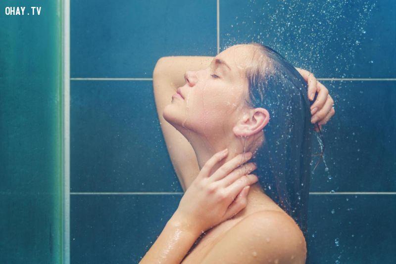ảnh tắm nước lạnh