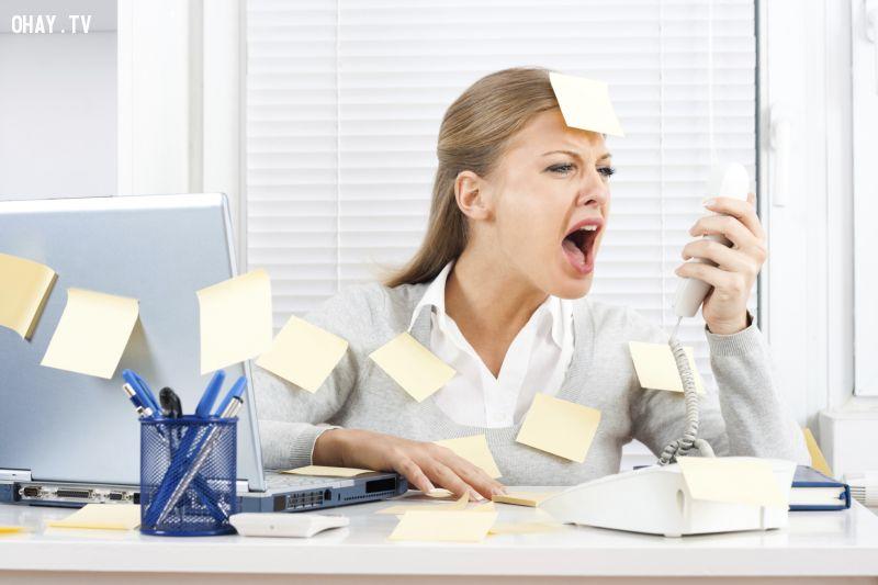 Căng thẳng sẽ khiến bạn mệt mỏi, giảm hiệu suất công việc