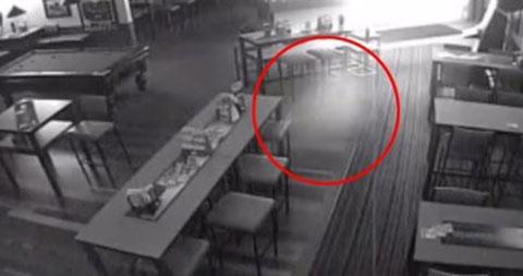 Bắt gặp hồn ma lang thang trong một quán Bar ở Úc