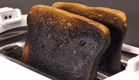 Bánh mì cháy và câu chuyện về sự cảm thông