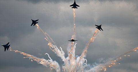 Mưa bomb và rocket, phi công Nga tranh tài thiện xạ trên không