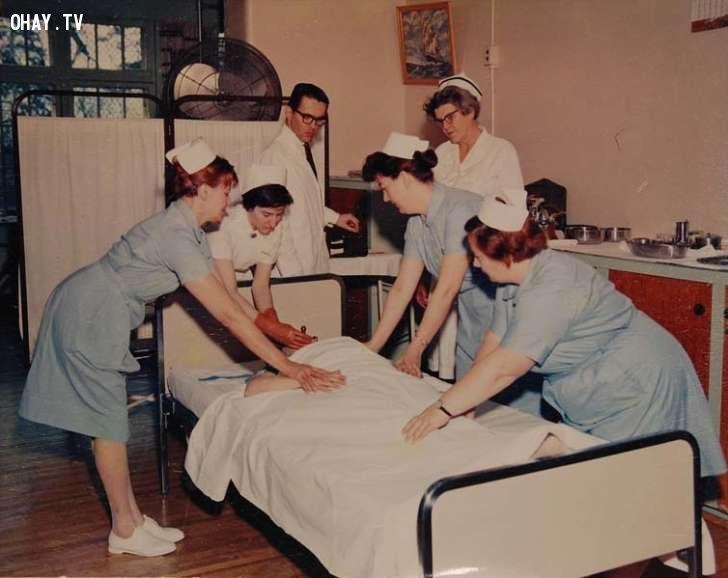 10 phương pháp điều trị y tế đáng sợ rất may mắn hiện không còn áp dụng