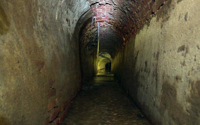 cống ngầm 150 tuổi dưới lòng Sài Gòn