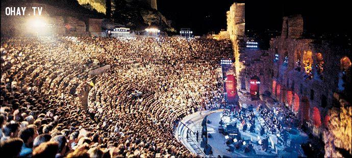 Một buổi hòa nhạc của Yanni - Nhà soạn nhạc tiêu biểu đương đại