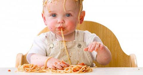 Mười điều cấm kỵ tuyệt đối trong ăn uống của trẻ nhỏ các bậc cha mẹ cần biết.