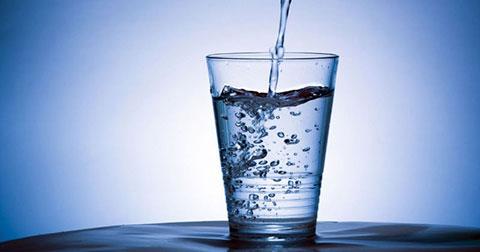 Sự kỳ diệu của phong thủy từ một ly nước