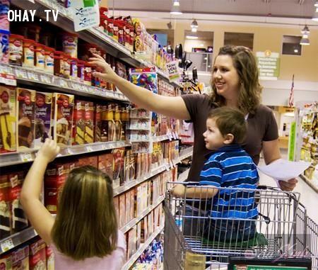 ảnh siêu thị,mánh lừa,mánh lừa của siêu thị,móc túi,người tiêu dùng,người tiêu dùng thông minh