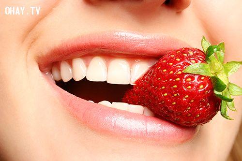 mẹo nhỏ làm sạch răng và cho hơi thở thơm mát mỗi ngày