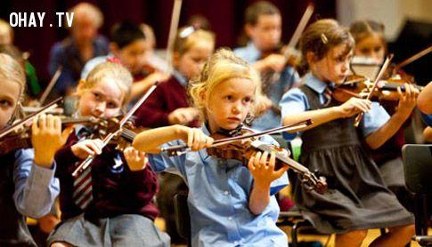 Những người biết chơi nhạc cụ từ nhỏ đều có trí não rất tốt