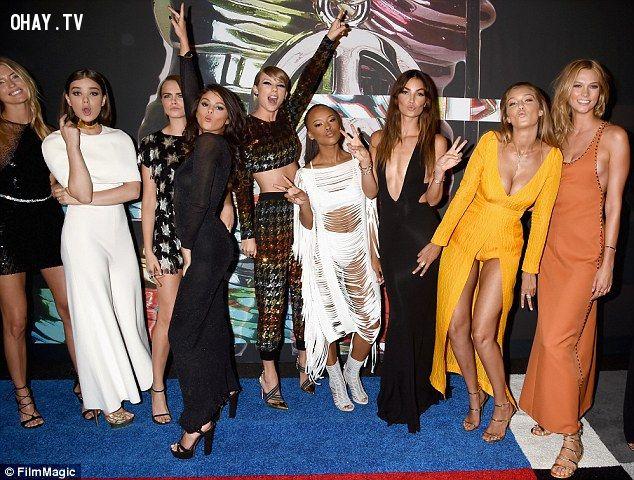 ảnh Miley Cyrus,Taylor Swift,slam,cạnh khóe,Hanna Montana,Selena Gomez,Gigi Hadid,Karlie Kloss,Cara Delevigne,MTV VMAs