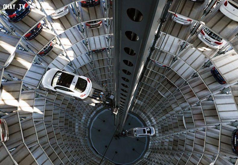 Thang máy Autostadt Silos thực chất là một hệ thống gara ô tô