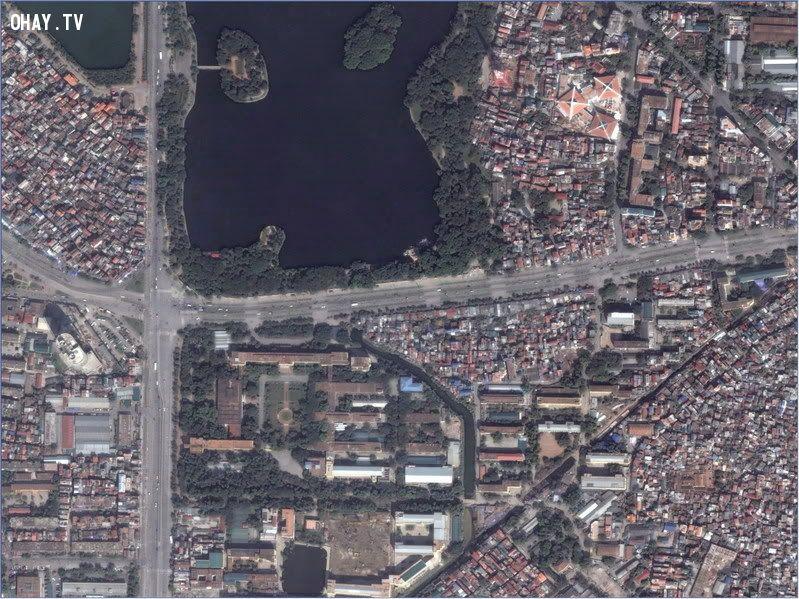 Bách Khoa nhìn từ vệ tinh