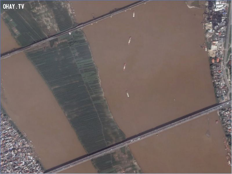 Cầu Chương Dương và Long Biên nhìn từ vệ tinh