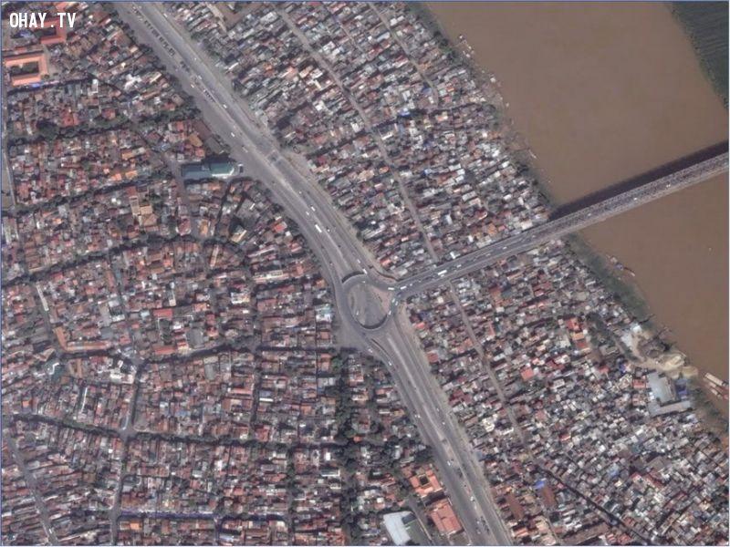 Cầu vượt Chương Dương nhìn từ vệ tinh