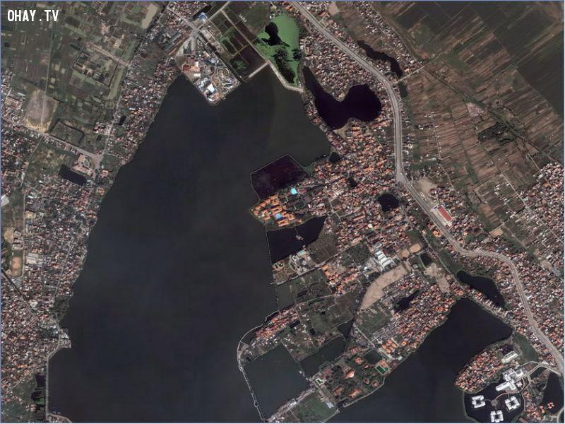 Hồ Tây nhìn từ vệ tinh