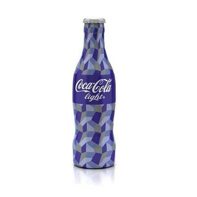 Coca-Cola thiết kế cho chiến dịch thời trang