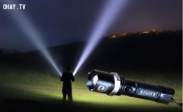 đèn-pin-phượt