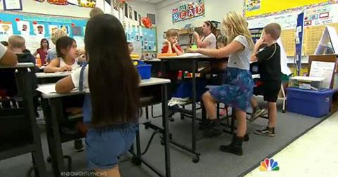 Đứng giúp học sinh tập trung học tốt hơn ngồi