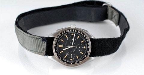 1,6 triệu USD cho chiếc đồng hồ của phi hành gia từng đặt chân lên Mặt Trăng