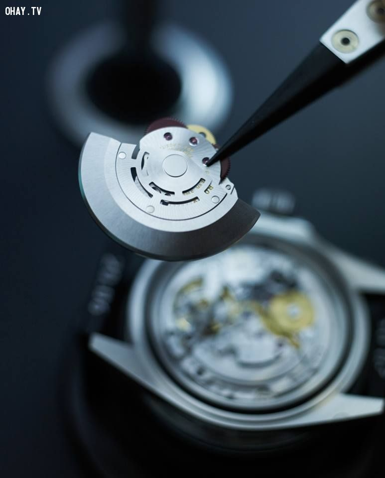 Bí mật đằng sau sự đắt đỏ của đồng hồ Rolex
