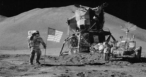 NASA công bố hơn 8000 ảnh chụp được của toàn bộ các nhiệm vụ Apollo khám phá Mặt Trăng