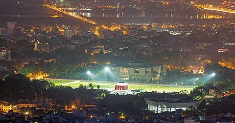 32 bức ảnh TUYỆT ĐẸP về thủ đô Hà Nội khi phố lên đèn