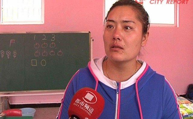 Cô giáo bắt học sinh khỏa thân khẳng định không hề có ác ý gì - Ảnh: Weibo.com