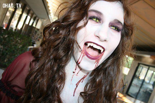 Hình ảnh của ma rà rồng được lột tả trong cách make up này
